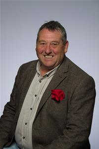 Profile image for Councillor Chris Lomax